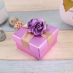 Flower Design Cuboid Pearl Paper Favor Boxes With Flowers/Ribbons