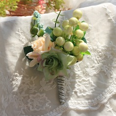 Charming Satin/Silk/Emulational Berries Wrist Corsage/Boutonniere -