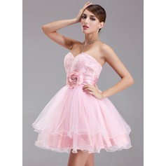 A-Line/Princess Sweetheart Short/Mini Taffeta Tulle Lace Homecoming Dress With Ruffle Beading Flower(s) Sequins