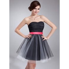 A-Line/Princess Sweetheart Short/Mini Tulle Homecoming Dress With Ruffle Sash Bow(s)