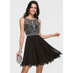 A-Line/Princess Scoop Neck Short/Mini Chiffon Homecoming Dress With Beading (022164877)