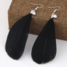 Fashional Alloy With Feather Ladies' Fashion Earrings