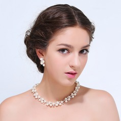 Romantic Alloy With Rhinestone Ladies' Jewelry Sets