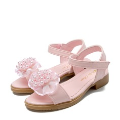Girl's Peep Toe Leatherette Flat Heel Sandals Flats Flower Girl Shoes With Beading Imitation Pearl Velcro Flower