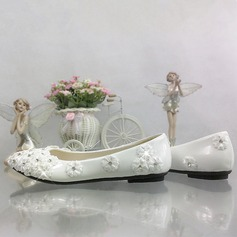Women's Patent Leather Flat Heel Closed Toe Pumps With Rhinestone Stitching Lace Flower