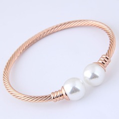 Fashional Alloy Imitation Pearls With Imitation Pearl Women's Fashion Bracelets (Sold in a single piece)