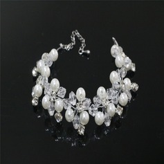 Elegant Rhinestones/Imitation Pearls With Rhinestone/Imitation Pearls Ladies' Bracelets