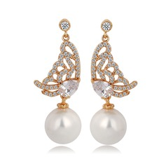 Butterfly Shaped Pearl/Zircon/Platinum Plated Ladies' Earrings
