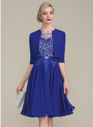 A-Line/Princess Scoop Neck Knee-Length Chiffon Lace Mother of the Bride Dress With Beading Sequins