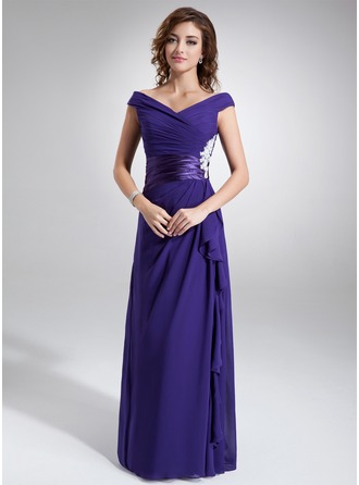 A-Line/Princess Off-the-Shoulder Floor-Length Chiffon Mother of the Bride Dress With Ruffle Appliques Lace