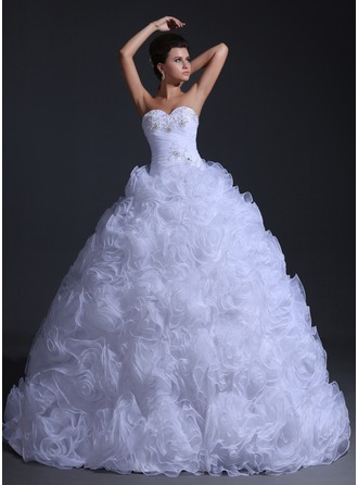 Ball-Gown Sweetheart Floor-Length Organza Wedding Dress With Ruffle Beading