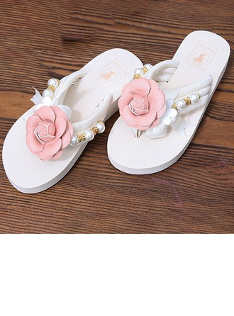 Femmes Tissu Talon plat Tongs Plateforme Beach Wedding Shoes avec Perle d'imitation Fleur en satin