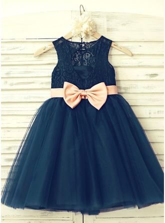A-Line/Princess Knee-length Flower Girl Dress - Tulle Lace Sleeveless Scoop Neck With Bow(s) Back Hole