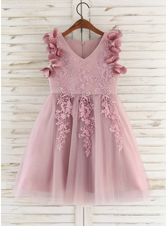 Knee-length Flower Girl Dress - Satin Tulle Lace Sleeveless V-neck With Flower(s)