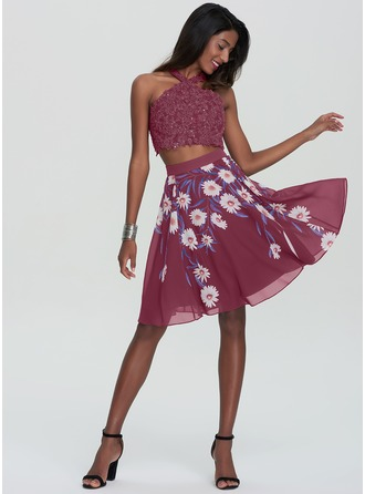 A-Line/Princess Scoop Neck Knee-Length Chiffon Homecoming Dress With Sequins