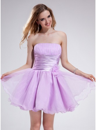 A-Line/Princess Strapless Short/Mini Organza Homecoming Dress With Ruffle Flower(s)