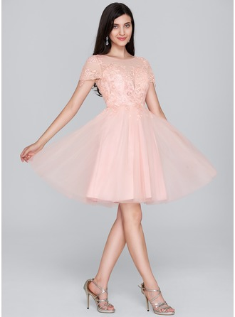A-Line Scoop Neck Knee-Length Tulle Homecoming Dress With Sequins