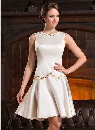 Scoop Neck Knee-Length Satin Cocktail Dress With Beading Appliques Lace Sequins