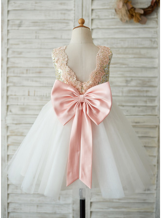 A-Line/Princess Knee-length Flower Girl Dress - Tulle Sequined Sleeveless Scoop Neck With Sequins Bow(s)