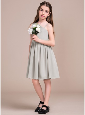 A-Line/Princess Knee-Length Chiffon Junior Bridesmaid Dress With Ruffle