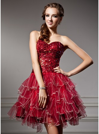 A-Line/Princess Sweetheart Short/Mini Tulle Homecoming Dress With Sequins Cascading Ruffles