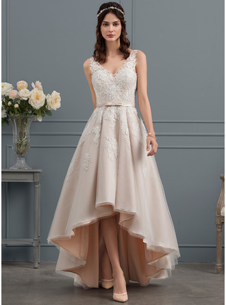 A-Line/Princess V-neck Asymmetrical Tulle Lace Wedding Dress With Bow(s)