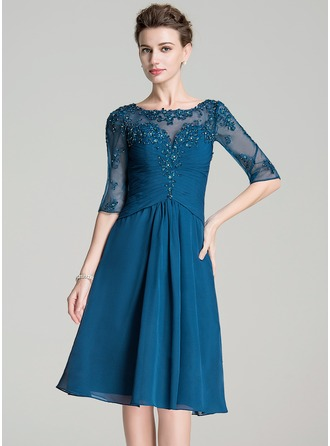 A-Line/Princess Scoop Neck Knee-Length Chiffon Mother of the Bride Dress With Ruffle Beading Appliques Lace Sequins