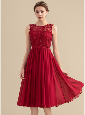 Scoop Neck Knee-Length Chiffon Lace Bridesmaid Dress With Beading Sequins