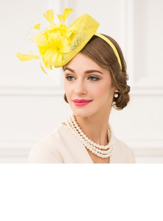 Dames Charmant Fil net avec Feather Chapeaux de type fascinator