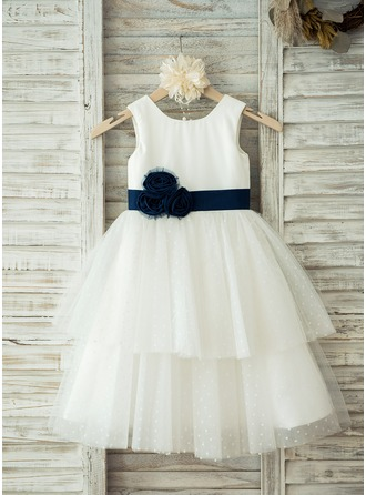 A-Line/Princess Knee-length Flower Girl Dress - Tulle/Cotton Sleeveless Scoop Neck With Sash/Flower(s)