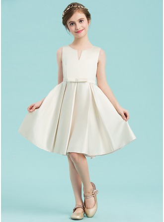 Scoop Neck Knee-Length Satin Junior Bridesmaid Dress