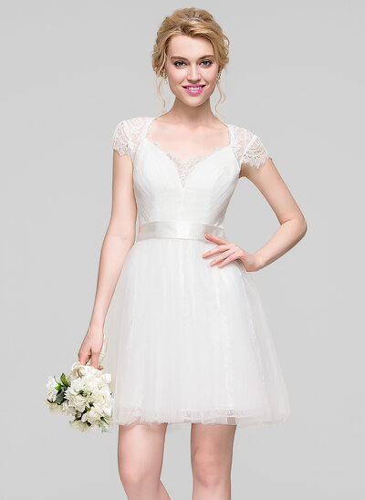 A-Line/Princess Sweetheart Short/Mini Tulle Lace Bridesmaid Dress With Ruffle
