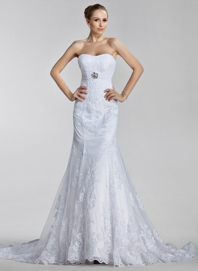 Trumpet/Mermaid Sweetheart Court Train Tulle Wedding Dress With Ruffle Appliques Lace Crystal Brooch