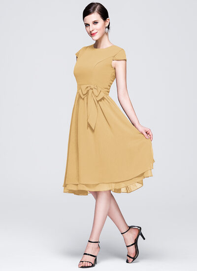 Chiffon Knee-length Bridesmaid Dress with Cap Sleeves And Sashes