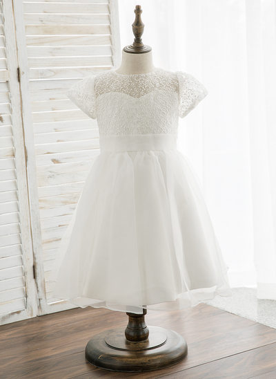 A-Line/Princess Knee-length Flower Girl Dress - Organza/Lace Short Sleeves Scoop Neck
