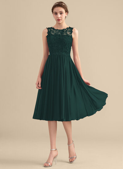 A-Line/Princess Scoop Neck Knee-Length Chiffon Lace Homecoming Dress With Beading Sequins