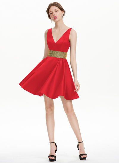 A-Line/Princess V-neck Short/Mini Satin Homecoming Dress With Beading