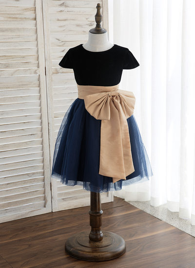 A-Line/Princess Knee-length Flower Girl Dress - Tulle Sleeveless Scoop Neck With Sash/Bow(s)