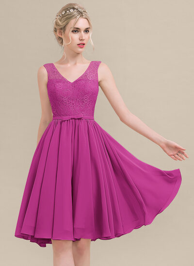 A-Line V-neck Knee-Length Chiffon Lace Cocktail Dress With Bow(s)