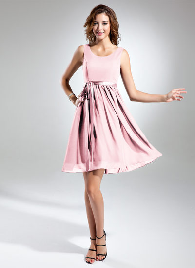 A-Line Scoop Neck Knee-length Chiffon Bridesmaid Dress With Charmeuse Sash