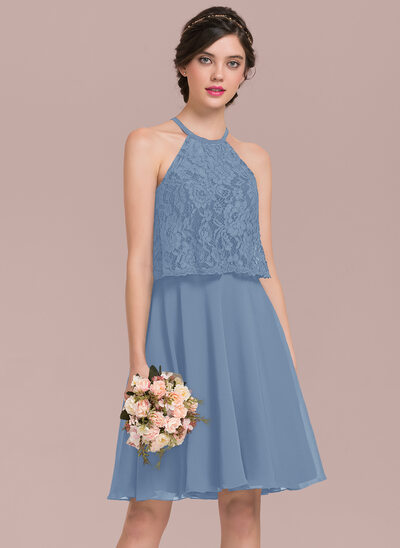 A-Line/Princess Scoop Neck Knee-Length Chiffon Lace Bridesmaid Dress
