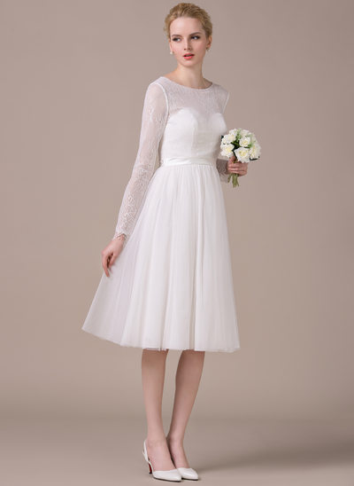 A-Line/Princess Scoop Neck Knee-Length Tulle Lace Wedding Dress With Bow(s)