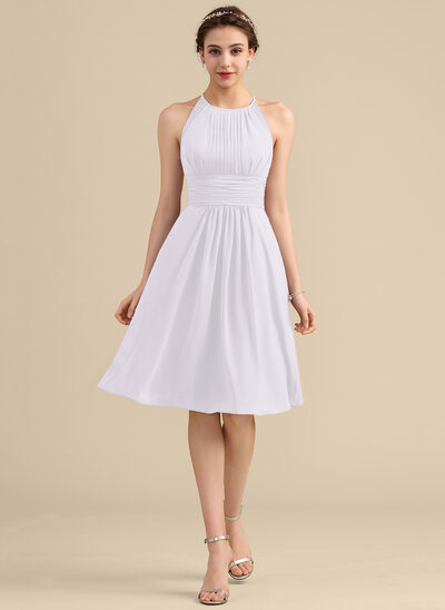 A-Line/Princess Scoop Neck Knee-Length Chiffon Lace Bridesmaid Dress With Ruffle