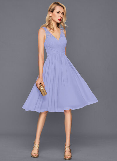 A-Line V-neck Knee-Length Chiffon Homecoming Dress With Ruffle