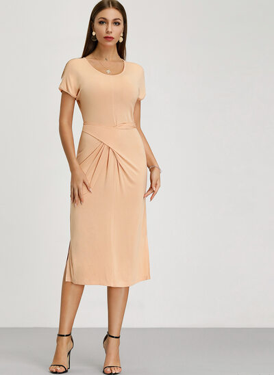 A-Line Scoop Neck Knee-Length Mother of the Bride Dress With Ruffle
