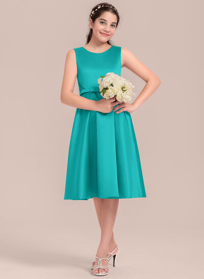 A-Line Scoop Neck Knee-Length Satin Junior Bridesmaid Dress With Lace Bow(s)