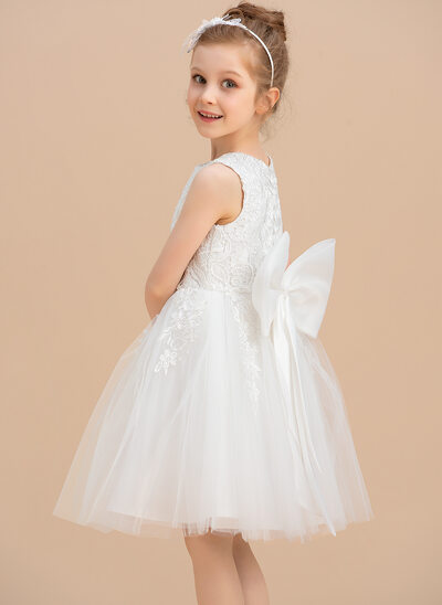 A-Line Knee-length Flower Girl Dress - Tulle/Lace Sleeveless Scoop Neck With Lace/Bow(s)