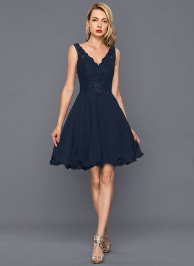 A-Line/Princess V-neck Knee-Length Chiffon Homecoming Dress With Sequins
