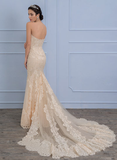 Trumpet/Mermaid Sweetheart Chapel Train Lace Wedding Dress With Beading Sequins