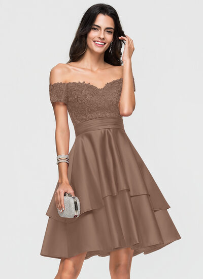 A-Line/Princess Off-the-Shoulder Knee-Length Satin Homecoming Dress With Lace Sequins